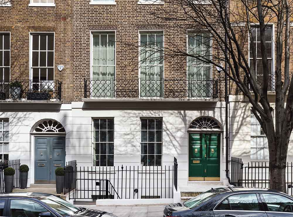 Historic London House 01